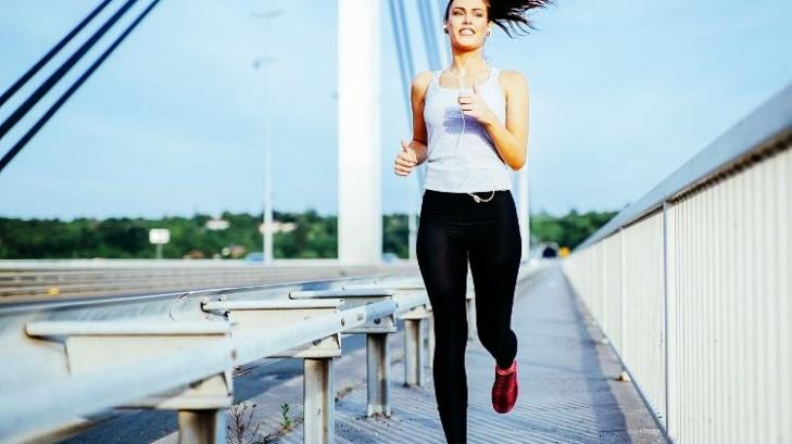 corrida-trote-mulher-exercicio-5