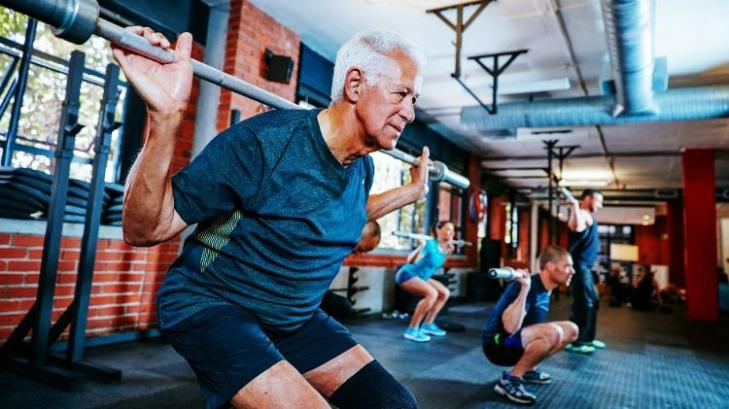 idoso-atividade-fisica-pratica-de-atividade-fisica-exercicio-fisico-4